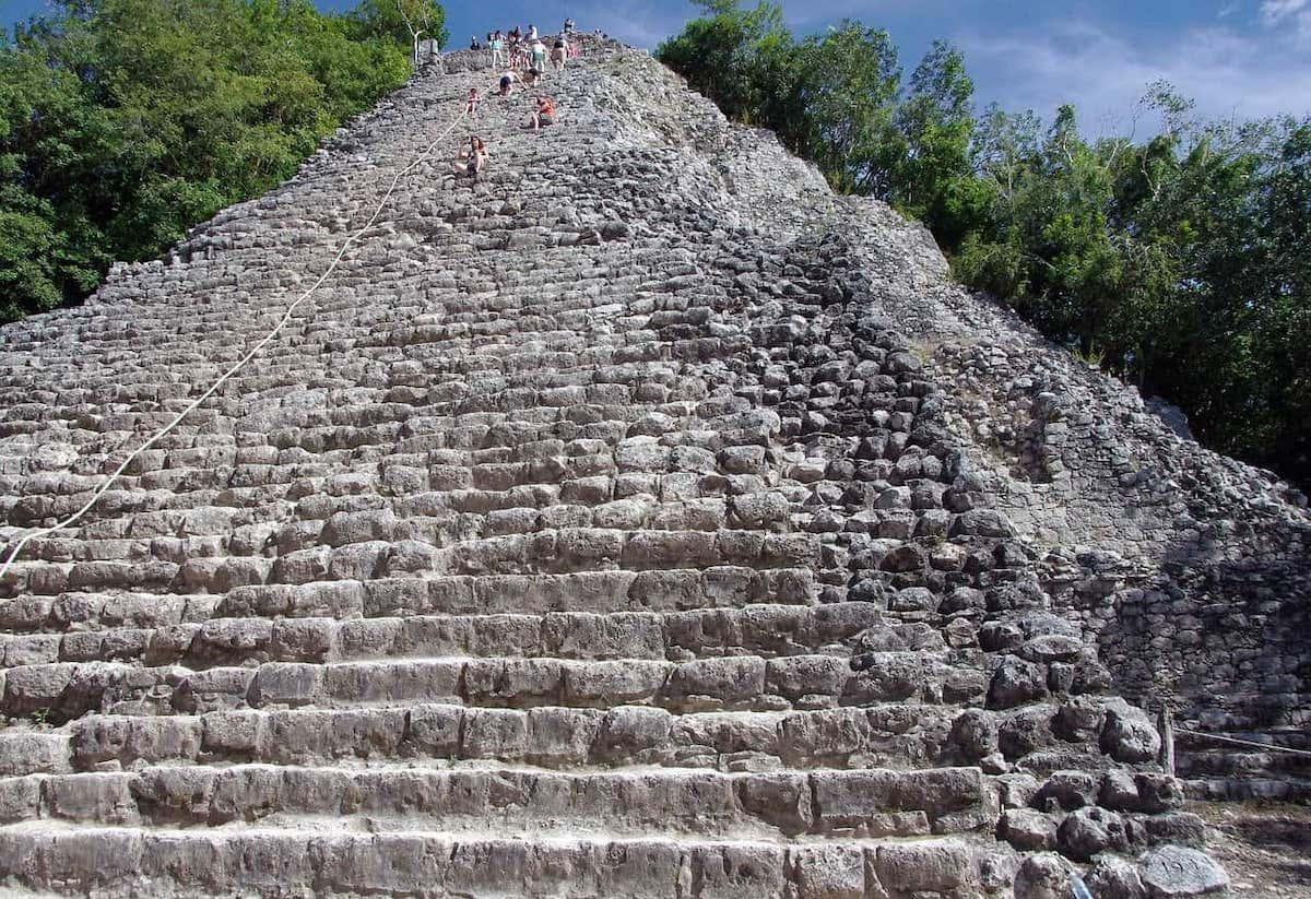 Coba_pyramid