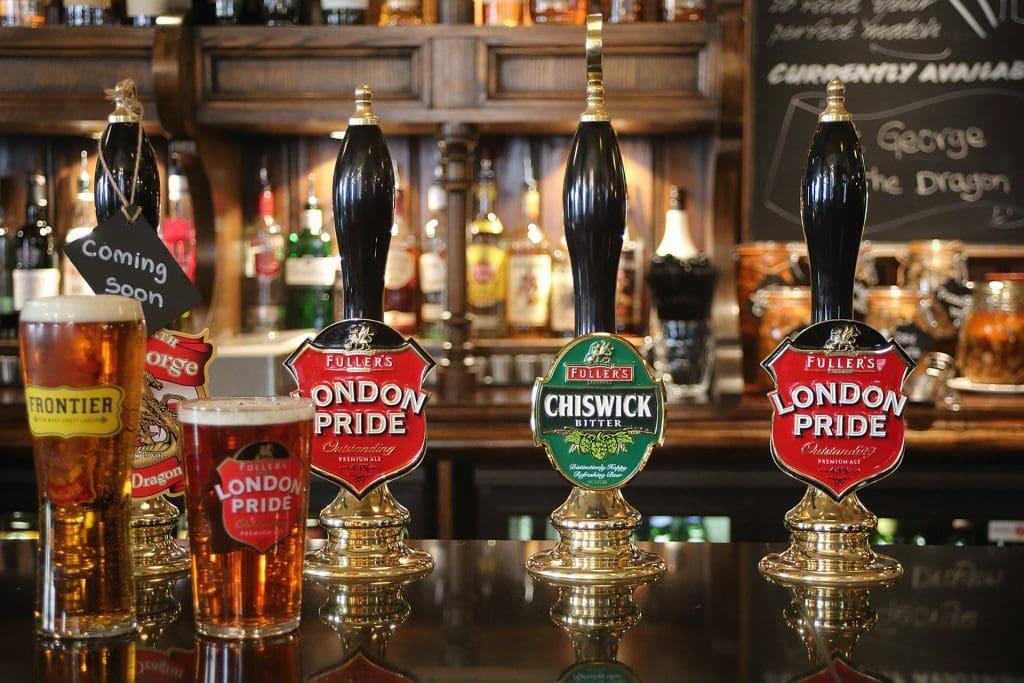 pub crawl london